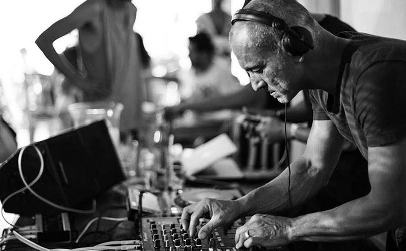 """Диджей Роберт Майлз основал """"дрим-хаус"""" - целый музыкальный жанр, чрезвычайно популярный на рубеже 1990-х и 2000-х, мотивы которого звучат и по сей день"""
