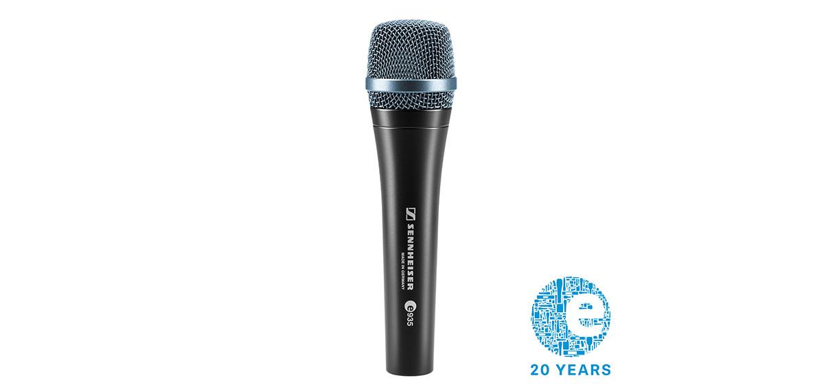 В октябре микрофоном месяца у Sennheiser стал профессиональный вокальный evolution e 935.