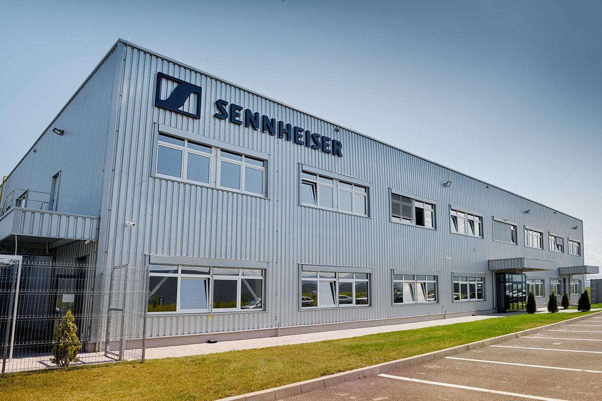 Новый завод Sennheiser в Брашове вышел на проектную мощность